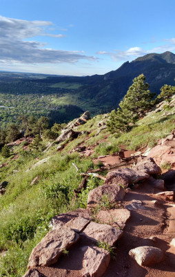 Trail_Running_Down_Sanitas