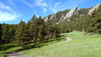 Flatirons_From_Bluebell_Road