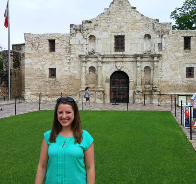 Laura_At_The_Alamo