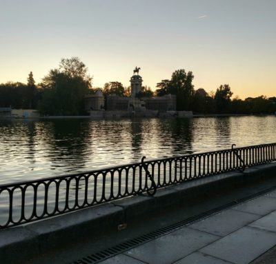 El_Retiro_Pond_at_Sunrise