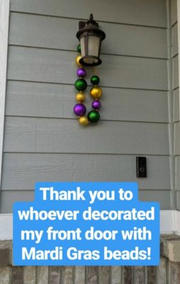 Outdoor_Mardi_Gras_Decoration